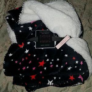 Nwt Victoria's Secret black plush fuzzy blanket